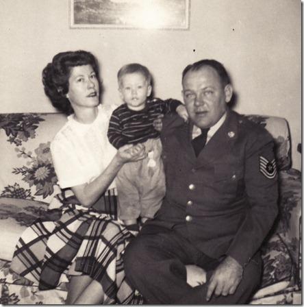 1952 - Mom Me Dad 2
