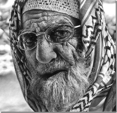 An_elderly_man_Realistic-Pencil-Drawing