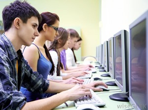students-at-computers-in-a-lab